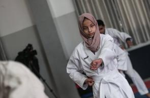 أول كفيفة في غزة تلعب الكاراتية وتتطلع لـ