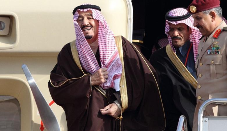 الملك سلمان يفتح باب التجنيس امام الوافدين