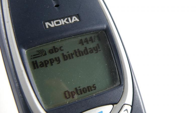 25 سنة على إرسال أول رسالة نصية من هاتف إلى آخر