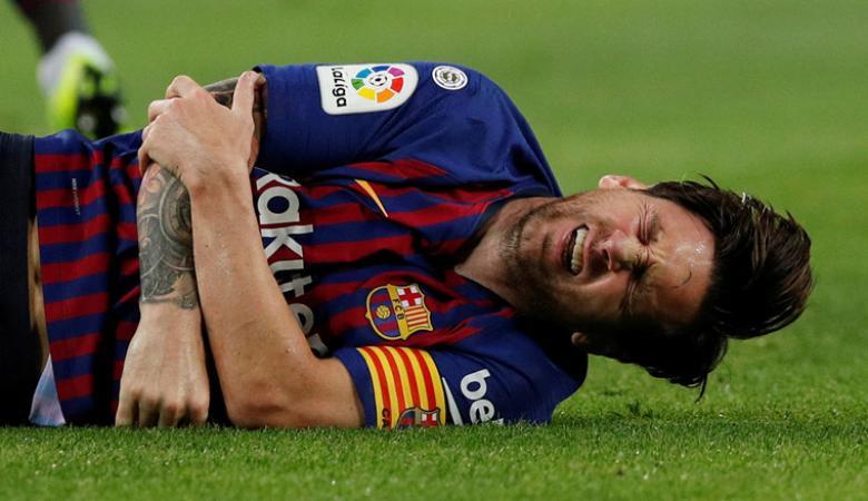 """مورينيو طلب من لاعبيه """"ضرب """" نجم برشلونة ميسي"""