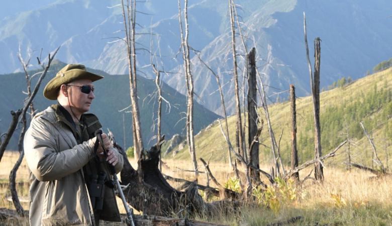 في ذكرى ميلاده..الرئيس الروسي يتنزه في غابات سيبيريا