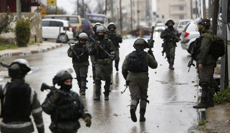 الاحتلال يقتحم رام الله ويشن حملة اعتقالات في الضفة
