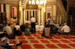 الالاف يعمرون الحرم الابراهيمي في الجمعة الاولى من رمضان
