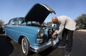 شاب من رام الله ينقذ المركبات القديمة ويعيد تأهيلها