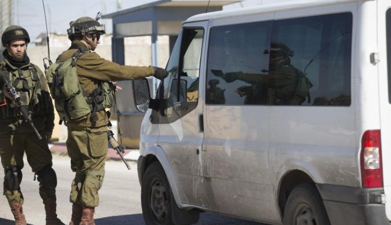 الاحتلال يقرر فصل  3 قرى عن رام الله
