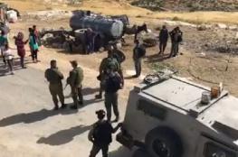 مستوطنون يعتدون على المواطنين وينصبون خيمة بمسافر يطا جنوب الخليل