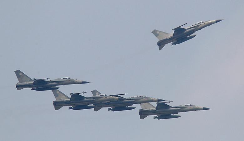 """""""طائرات """"اسرائيل لا تغادر سماء لبنان"""