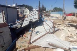 جرافات الاحتلال تهدم مغسلة سيارات ومنجرة في سلفيت