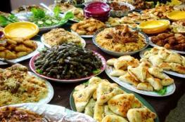 يزداد وزن الكثيرين في رمضان رغم الصيام.. الأسباب والحلول
