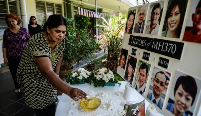 أسر ضحايا الطائرة الماليزية المفقودة يطالبون بتجديد عمليات البحث