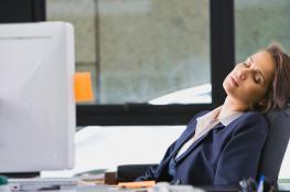 فوائد كبيرة للنوم أثناء العمل بحسب خبراء عالميين