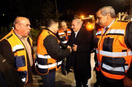 """رئيس الوزراء يتفقد سير العمل باعادة تأهيل شارع """"قلنديا """""""