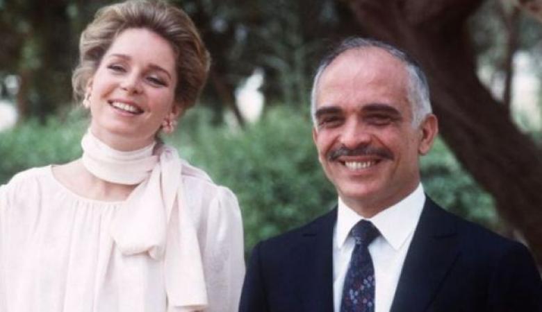 """زوجة الملك حسين  تنعى الرئيس المصري السابق """"مرسي """""""