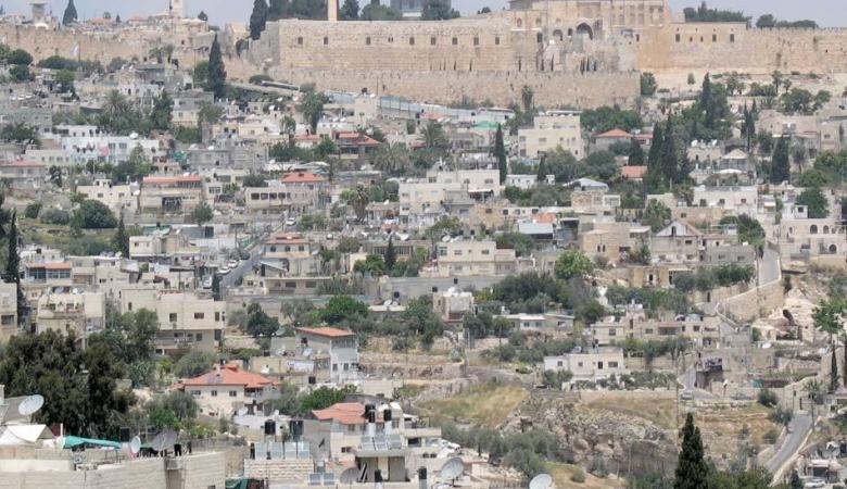 100 عائلة تقدم التماسا لمنع تهجيرهم من القدس المحتلة