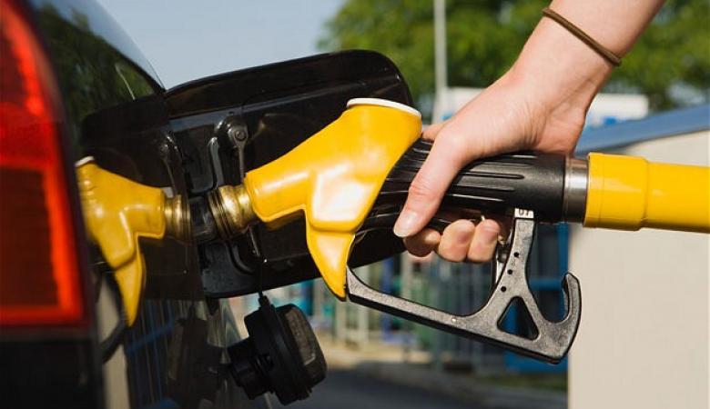 اصحاب محطات الوقود في الاراضي الفلسطينية يرفضون شراء الوقود لانخفاض سعره !