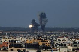الاحتلال يستهدف عدة مواقع للمقاومة في قطاع غزة