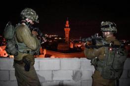 الاحتلال يعتقل 17 مواطنا من الضفة واعلان يوم غضب بنابلس