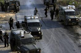 الاحتلال يقتحم مخيم جنين ويعتقل 3 شبان بينهم شقيقان