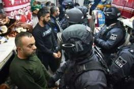 الاسرى في سجن الرامون يهددون بإحراق زنازينهم