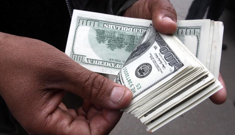 الفلسطينيون اقترضوا من البنوك 9.2 مليار دولار