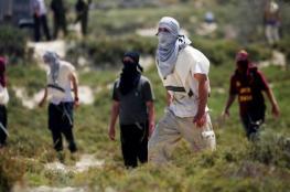 اصابة مواطن وزوجته في هجوم للمستوطنين جنوب نابلس