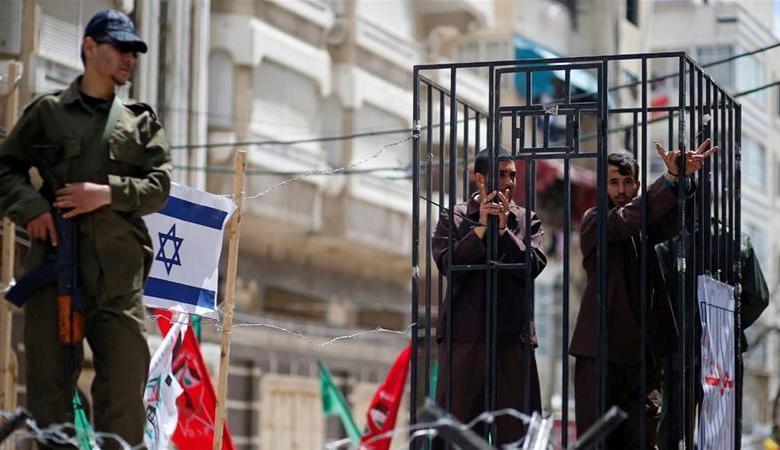7 اسرى يواصلون اضرابهم المفتوح عن الطعام