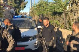 الاحتلال يواصل حصار منزلٍ بالقدس تمهيداً لإخلائه لصالح المستوطنين