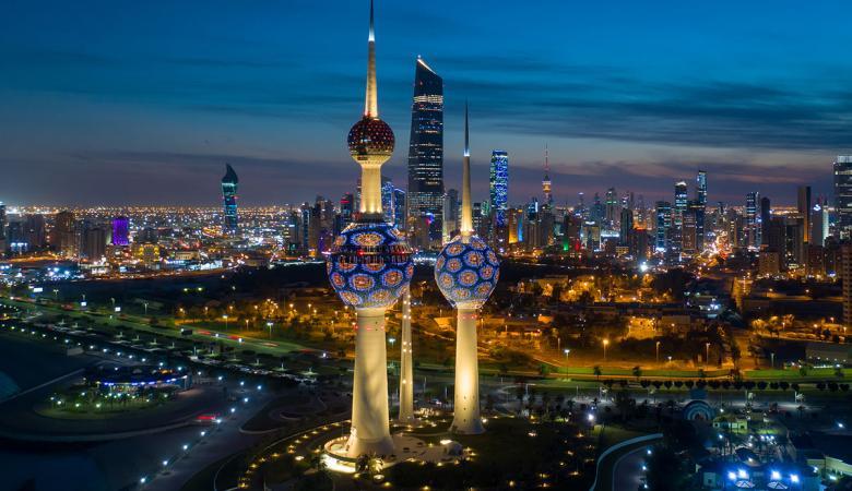 الكويت تطرد اعلامية لبنانية بعد نشرها صور خادشة للحياء