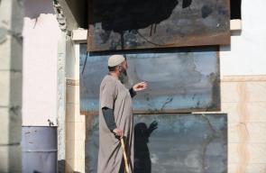 قوات الاحتلال تغلق منزل الأسير خالد موسى شحادة من بلدة يطا جنوب الخليل