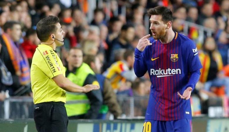 """مدرب برشلونة يدلي بتصريحات مثيرة حول هدف """" ميسي """"  الملغى امام فالنسيا"""