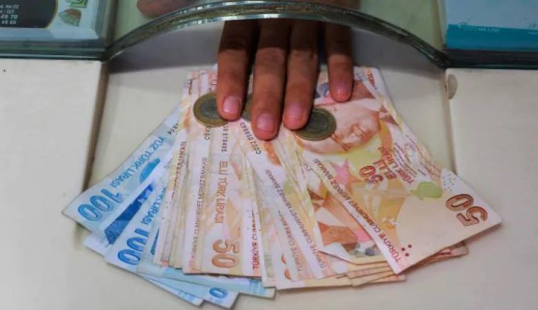 انخفاض حاد على الليرة التركية مقابل الدولار