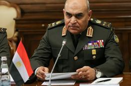 وزير دفاع مصر: أدعو الشعب للوقوف خلف قيادته السياسية