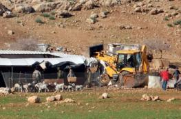 جرافات الاحتلال تهدم منشآت وخيمتين في الأغوار الشمالية