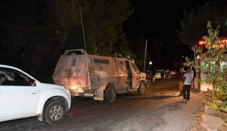 إصابة عدد من المواطنين في اعتداء للمستوطنين على مزارعين من قرية دير نظام