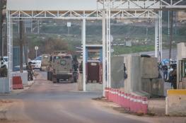 الاحتلال يغلق حاجز بيت ايل في كلا الاتجاهين