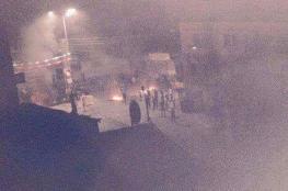 فجرا ....اغلاق لمداخل سعير بعد مواجهات عنيفة مع قوات الاحتلال