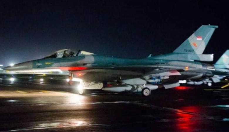 سلاح الجو الإندونيسي هو المكلف بمهمة إيقاظ المواطنين للسحور