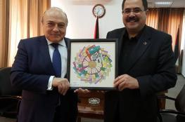 وزير التربية يشكر وزير المالية على دعم وزارته في طباعة المنهاج الجديد
