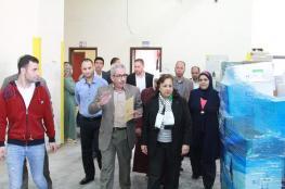 اشتية يعلن تسيير شاحنات أدوية ومستهلكات طبية إلى غزة