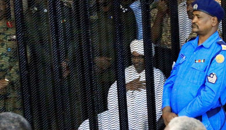 السودان.. النطق بالحكم في محاكمة البشير بتهمة الفساد
