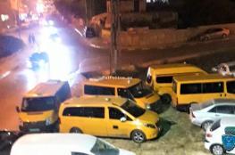 الشرطة تحجز 5 مركبات عمومية وتوقف سائقيها