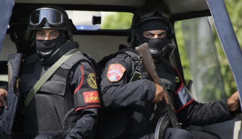 انتحاري يفجر نفسه بموقف سيارات في سيناء