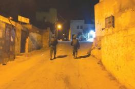 الاحتلال يعتقل 10 مواطنين معظمهم من بلدة بيتا
