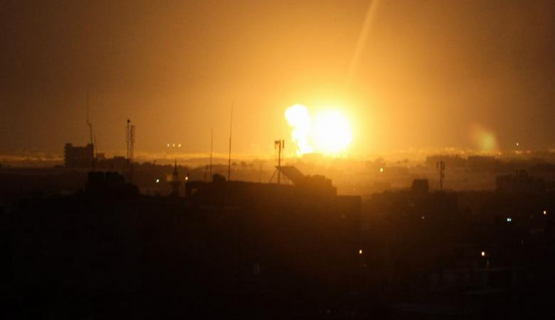 الطيران الحربي الاسرائيلي يقصف غزة