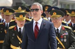 وزير الدفاع التركي يتوعد : سندفن الارهابيين في انفاقهم