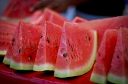 للباحثين عن الوزن المثالي ..10 انواع من الفواكه حارقة للدهون
