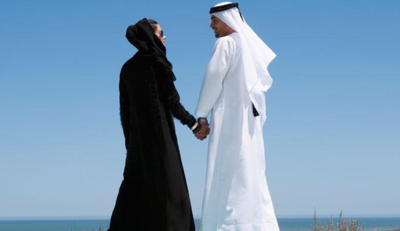 الامارات تسمح بمنح الجنسية للمرأة الاجنبية المتزوجة من مواطن