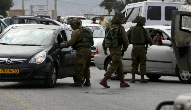 الاحتلال يعتقل ثلاثة شبان من ضاحية شويكة اثناء مرورهم ببلدة عنبتا شرق طولكرم