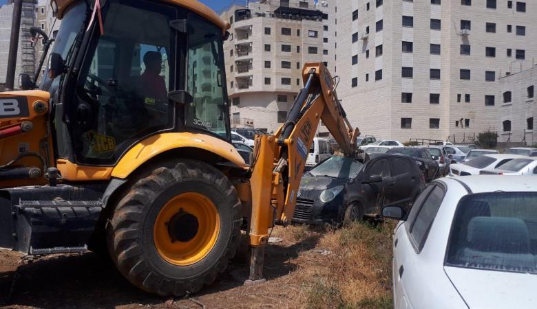 الشرطة تتلف 194 مركبة غير قانونية في بلدة بيتا جنوب نابلس