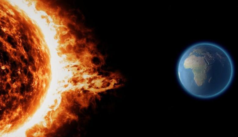 خبراء الطقس: عاصفة شمسية تضرب الأرض اليوم